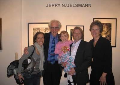 Familie Stephen Hoffman mit Jerry N. Uelsmann und Maggie Taylor, Foto: Helga Waess