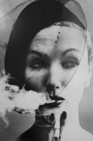 William-Klein-Smoke-and-Veil-1958-Courtesy Galerie Stephen Hoffman