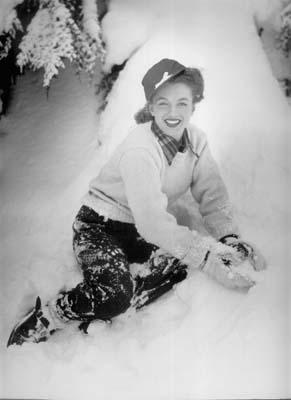 Andre de Dienes - Marilyn Monroe Oregon 1945