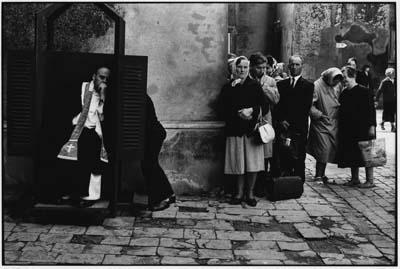 Poland. Czestochowa.1964 © Elliott Erwitt/Magnum Photos