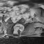 Sebastião Salgado, Icecube - Eisberg zwischen Paulet Island und den Süd-Shetlandinseln, Antarktische Halbinsel, 2005,, Galerie Stephen Hoffman, München
