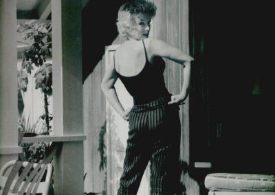 Gordon Parks, Marilyn Monroe looking over shoulder, circa 1959