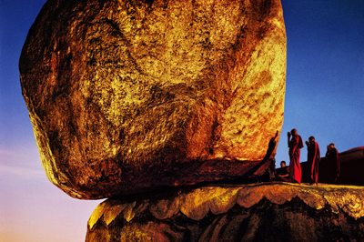 Steve McCurry, Golden Rock, Kyaiktiyo, Myanmar/Burma, 1994