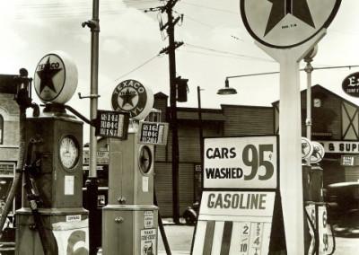BERENICE ABBOTT,  Gasoline station, Galerie Stephen Hoffman
