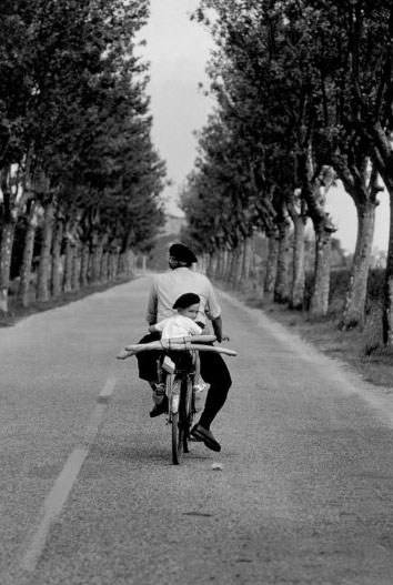 France Provence 1955©Elliott Erwitt / MAGNUM PHOTOS