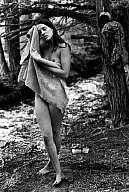 Dennis Stock, PAR71869 - Hippies, morning bath, 1968