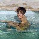 Terry O'Neill, Hepburn pool - Galerie Stephen Hoffman