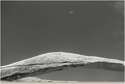 Jan-Oliver Wenzel, Landscape Arch & Moon, Utah, 2009
