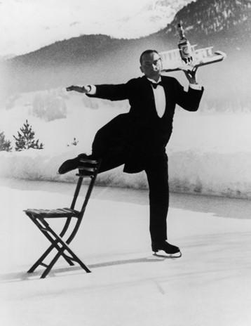 Alfred Eisenstaedt Ice Skating Waiter, Grand Hotel, St. Moritz, 1932 - Galerie Stephen Hoffman