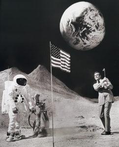Terry O'Neill, James Bond - Sean Connery im Hollywood Moon-Set, Galerie Stephen Hoffman, München
